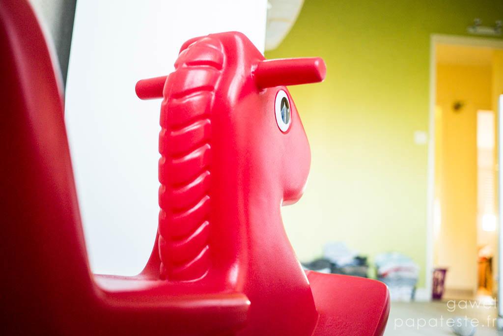 little tikes le cheval bascule papa teste. Black Bedroom Furniture Sets. Home Design Ideas